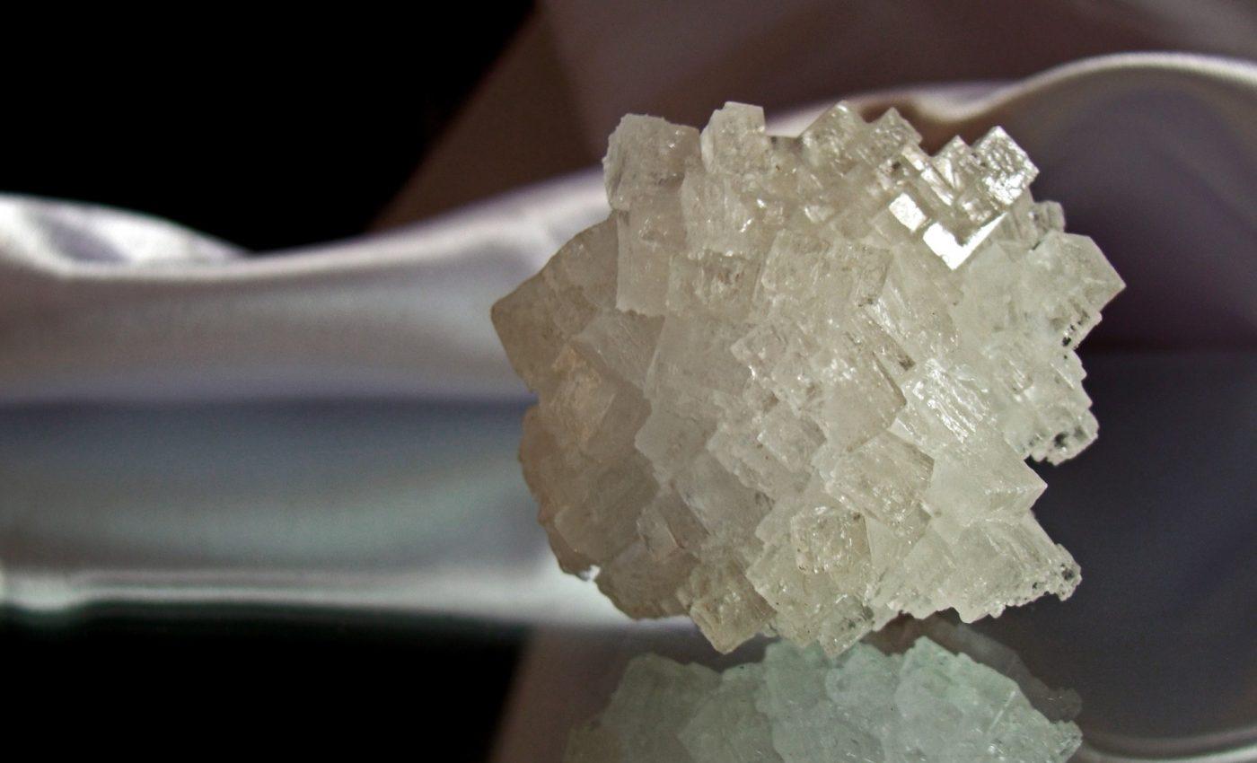 sare - sfatulprintilor.ro - pixabay_com - crystal-955935_1920