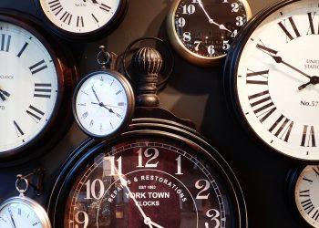 timp - ceas - sfatulparintilor.ro = pixabay_com - clocks-1098080_1920