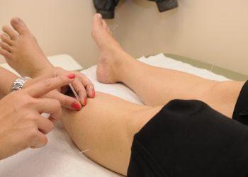 acupuncture- acupunctura - sfatulparintilor.ro - pixabay_com - 1698832_1920