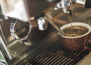 cafeaua de dimineata - sfatulparintilor.ro pexels-com - photo-296888