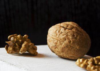creierul in forma- sfatulparintilor.ro - pexels_com - food-walnut-nut