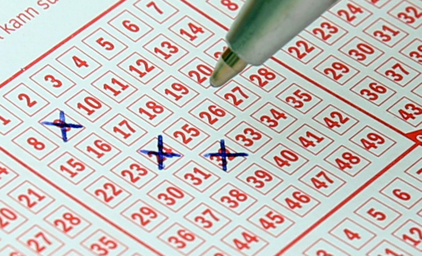 loterie - sfatulparintilor.ro - pixabay_com - lotto-484782_1920