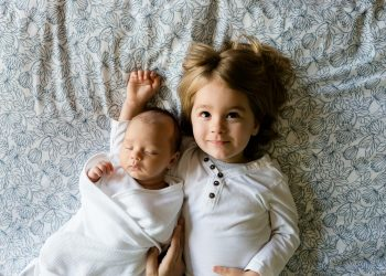 nume copii - sfatulparintilor.ro - pixabay_com - brothers-457237_1920