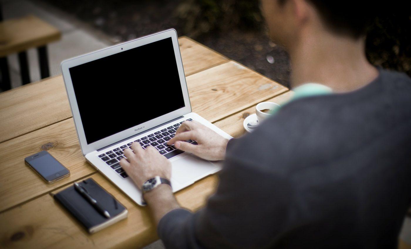 sa-ti schimbi locul de munca - blogging-336376_1920