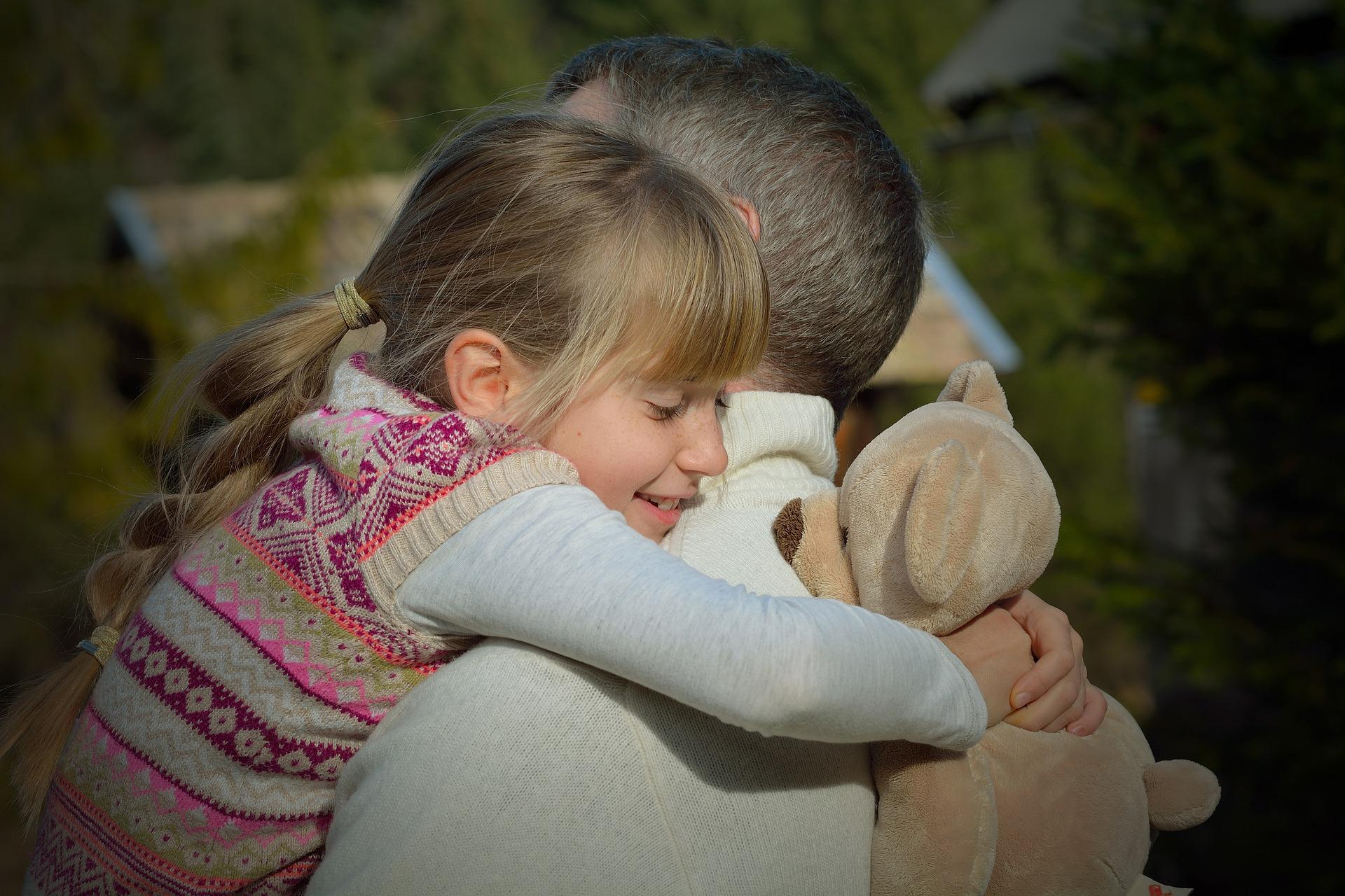 tata fiica - sfatulparintilor.ro - pixabay-com- father-551921_1920