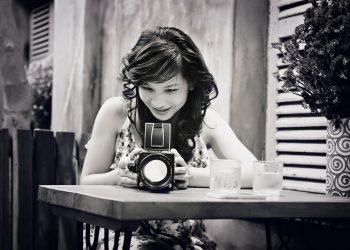 tinerete - sfatulparintilor.ro - pixabay-com - girl-1718100_1920