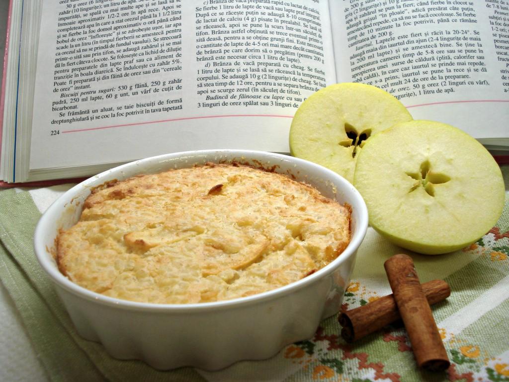 Budinca de orez cu mere. Pentru copiii de la 9 luni la 90 de ani