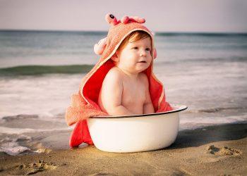 Cum ajutam copilul cu frica de apa