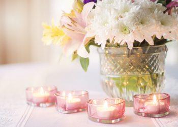 energia pozitiva in casa ta - sfatulparintilor.ro - pixabay_com - flowers-1951456_1920