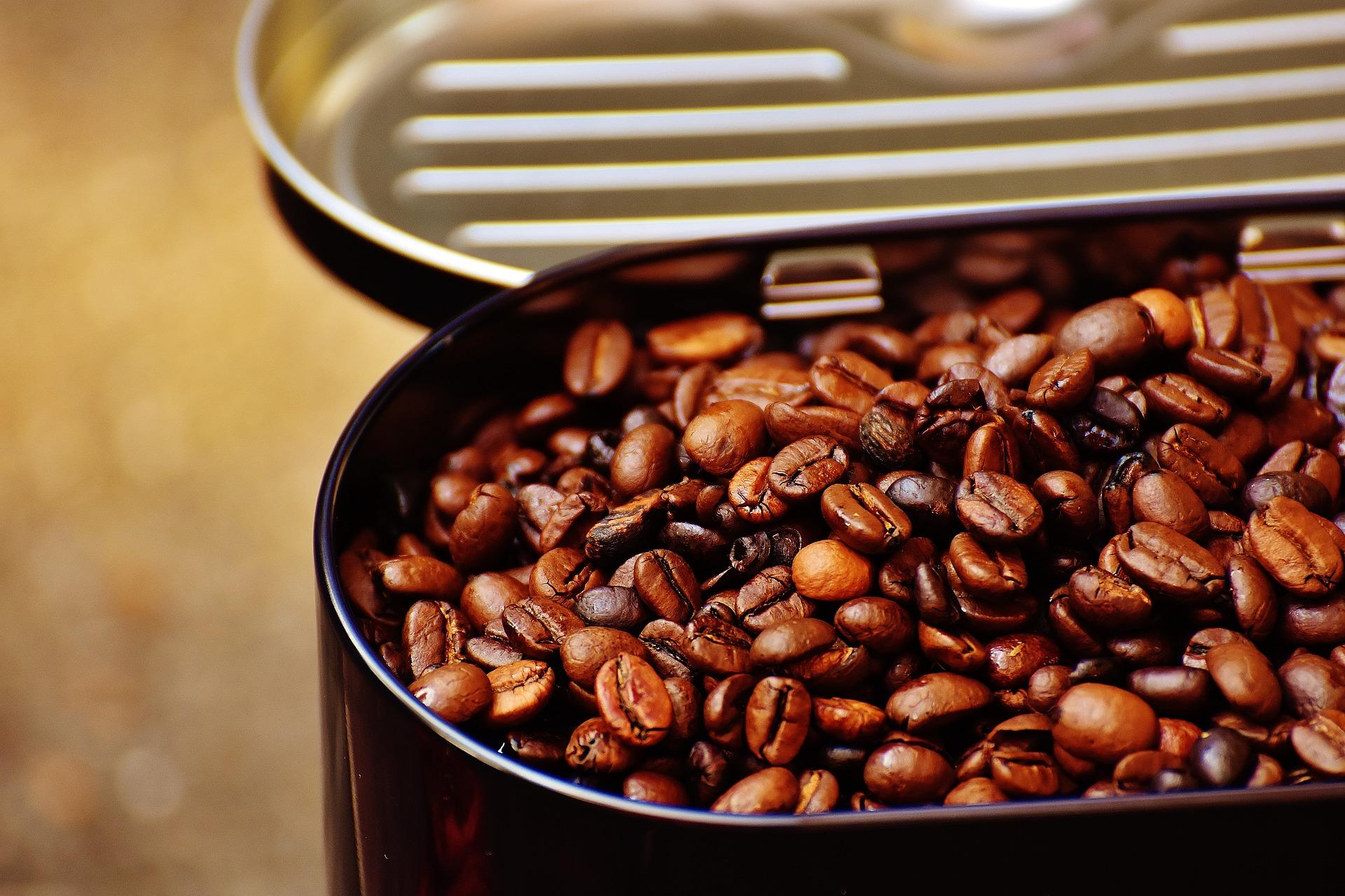 sa bei cafea zilnic - sfatulparintilor.ro - pixabay_com - coffee-tin-1705026_1920
