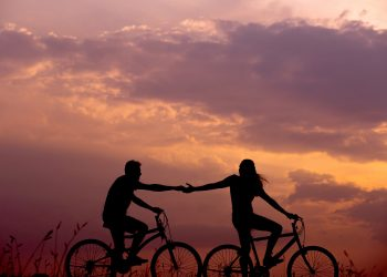 Cum iti inseli partenerul fara sa stii - sfatulparintilor.ro - pixabay_com - bicycles-1867046_1920