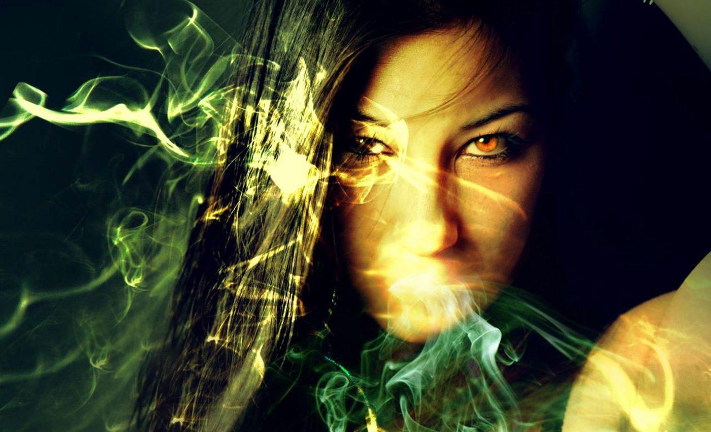 blestem - sfatulparintilor.ro - pixabay-com - magician-1442642_1920