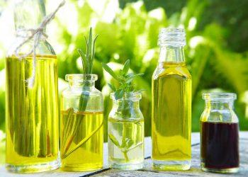 cel mai bun ulei pentru alimentatia copiilor - sfatulparintilor.ro - pixabay_com - glass-5166844_1920