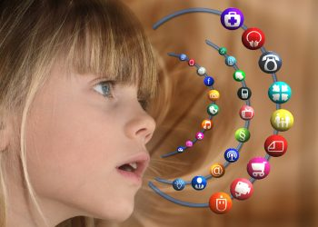 copii internet - sfatulparintilor.ro - pixabay_com - girl-1328416_1920