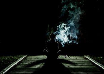 corpul uman - sfatulparintilor.ro - pixabay_com - smoke-1031060
