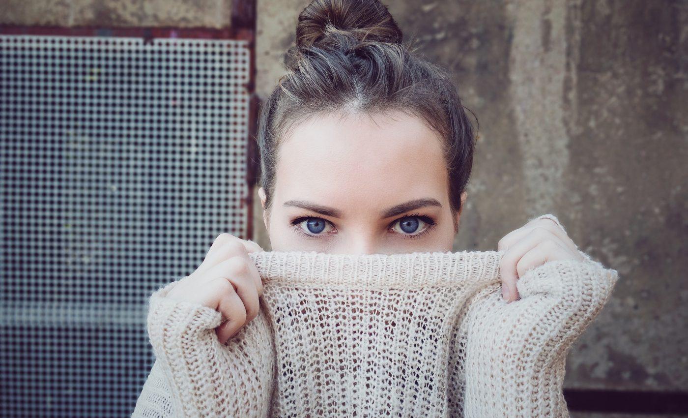 de ce ti se zbate ochiul - sfatulparintilor.ro - pixabay_com - people-2563491_1920