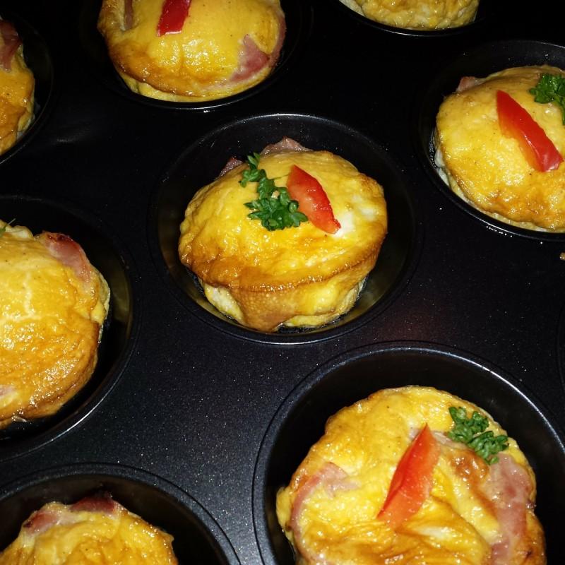 Fără îndoială, omletă este printre cele mai des făcute feluri de mâncare. Şi este foarte bine. Nu doar pentru că este gustoasă, ci şi pentru că este hrănitoare şi sănătoasă.