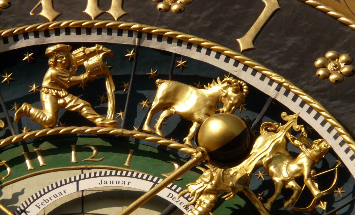 horoscop - sfatulparintilor.ro - pixabay_com - astronomical-clock-5718