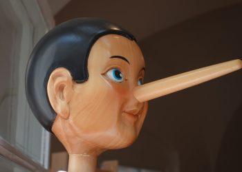 Cum sa iti inveti copilul sa nu minta - sfatulparintilor.ro - pixabay-com - pinocchio-2917652_1920