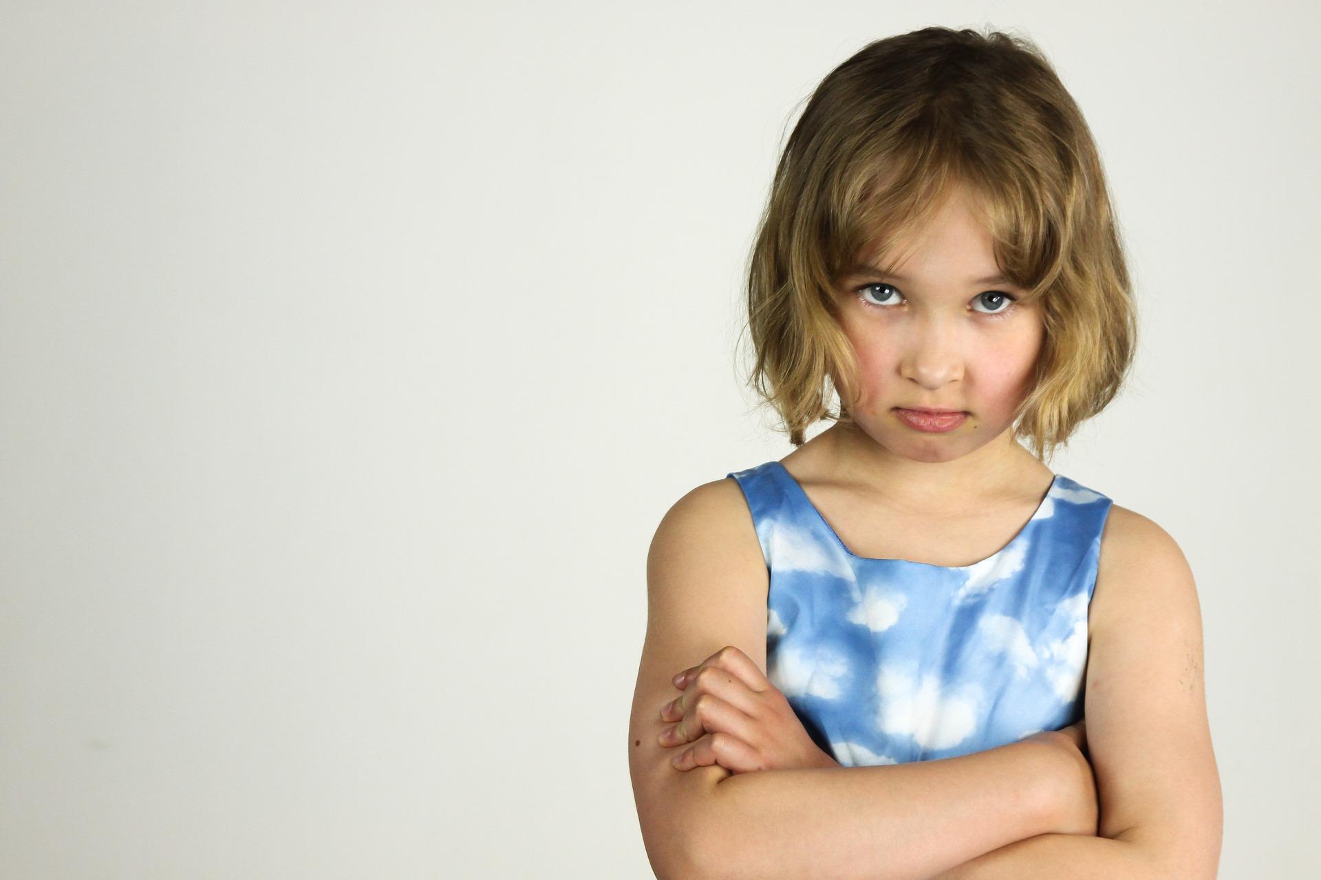 copil agresiv - sfatulparintilor.ro - pixabay-com - child-1548229_1920
