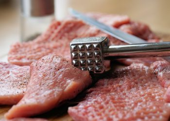 Ce carne mananca copilul