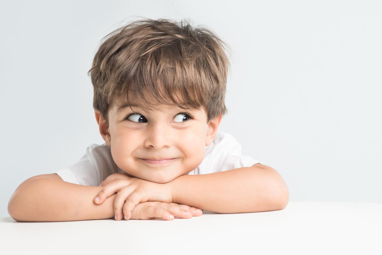 Asa cum vom afla si din articolul de mai jos, chiar si cei mai mici copii pot sa ne spuna lucruri care de care mai ciudate. Iata doar câteva exemple, multe dintre ele dându-ne pur si simplu fiori.
