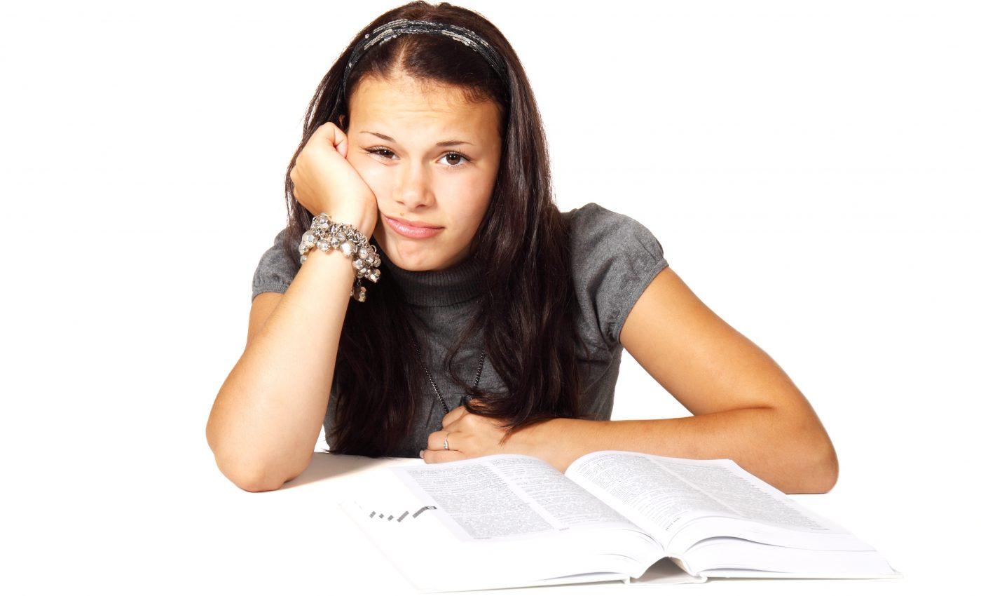 examen capacitate - sfatulparintilor.ro - pixabay_com - book-15584