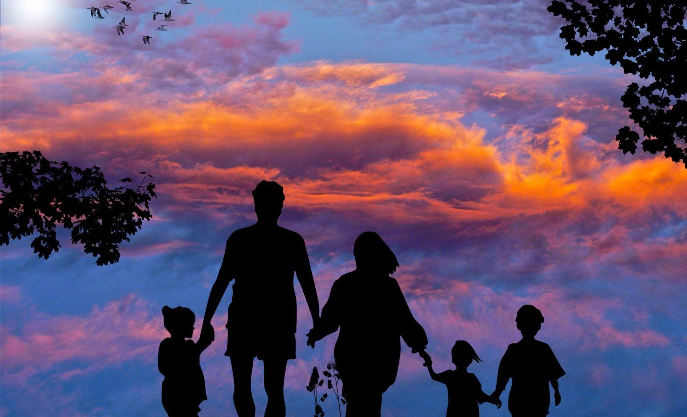 horoscop familie - sfatulparintilor.ro - pixabay-com - family-1517192