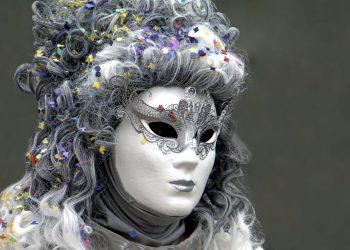 horoscop secrete - sfatulparintilor.ro - pixabay_com - mask-2137634_1920