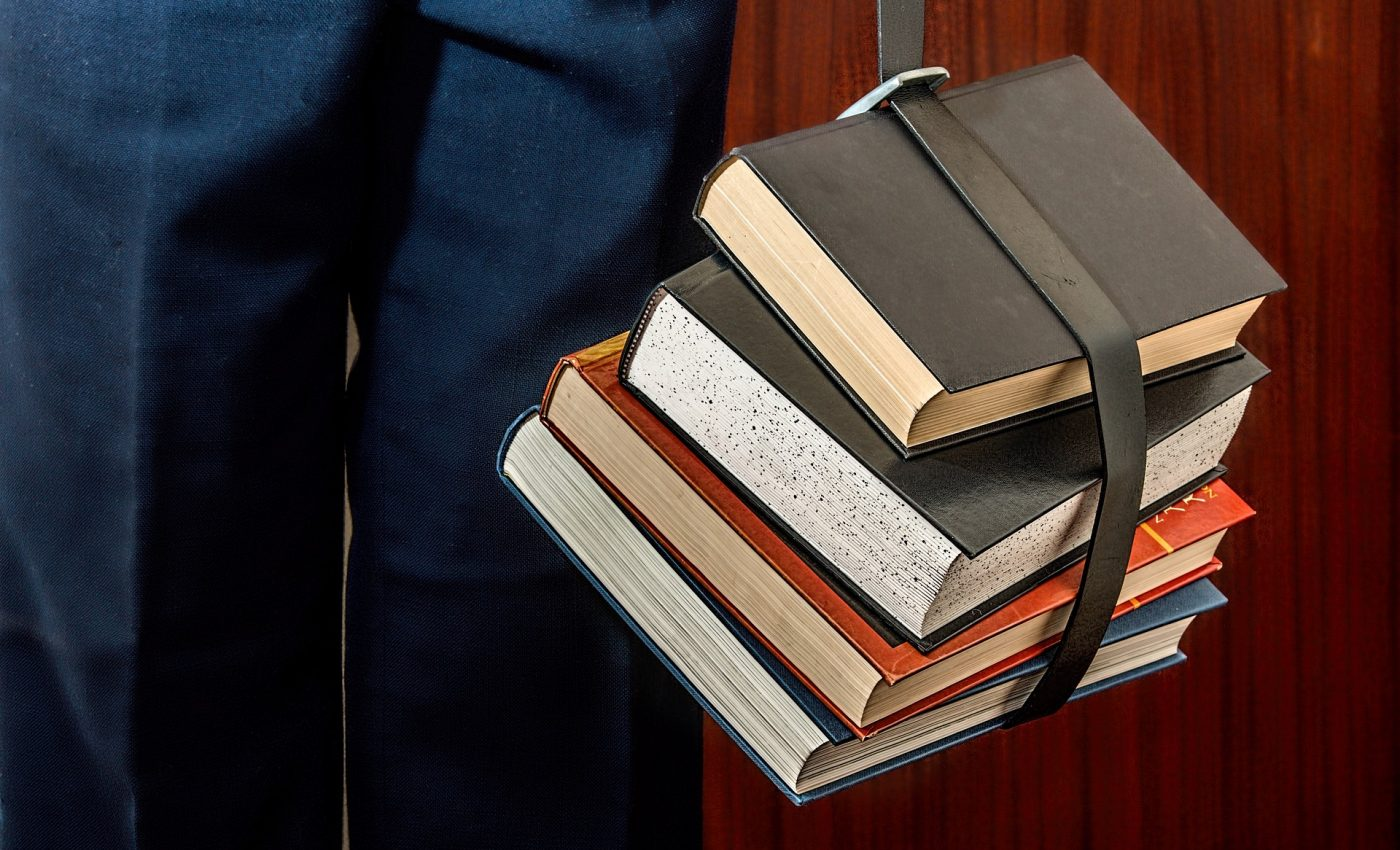 incepe scoala - sfatulparintilor.ro - pixabay_com - sfatbooks-1012088_1920