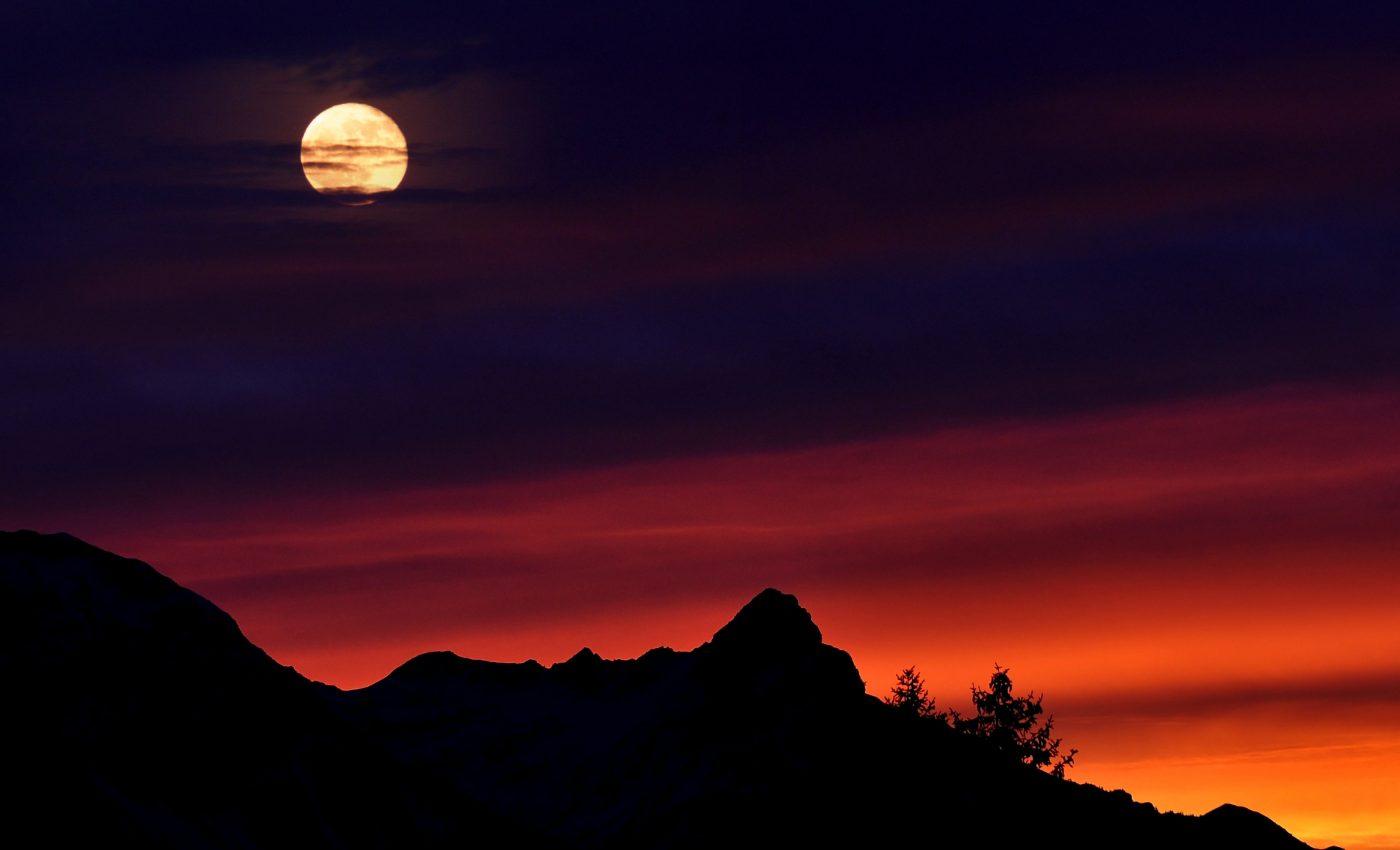 Saptamana aceasta avem Luna plina in Pesti - miercuri, 6 septembrie, ora 10:03, imediat dupa ce Mercur isi reia mersul direct, iar Marte intra in Fecioara, pe 5 septembrie.