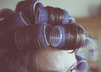 sa-ti schimbi look-ul - sfatulparintilor.ro - pixabay-com - hairstyle-1473541_1920