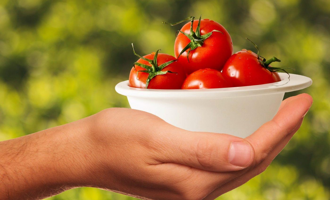 alimente prostata - sfatulparintilor.ro - pixabay_com - tomatoes-1993695