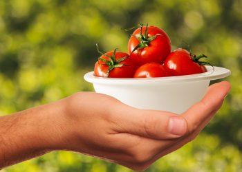 cancer de prostata - sfatulparintilor.ro - pixabay_com - tomatoes-1993695