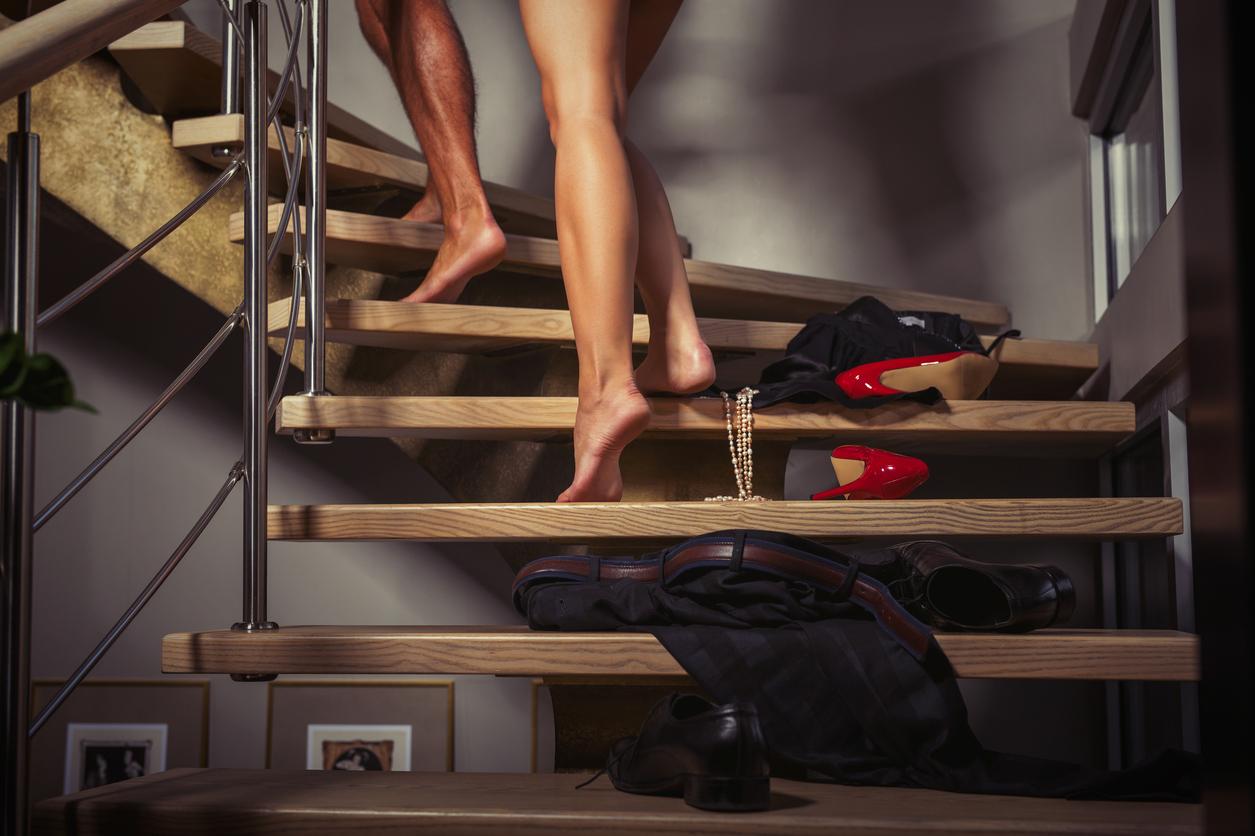 """Sa ți se confirme faptul ca soțul tau are o amanta poate fi o veste socanta. Inainte de a te intreba de ce ți se intampla tocmai ție, trebuie sa stii ca acest fenomen este tot mai frecvent in ultimele decenii, pe masura ce ideea de casnicie nu mai are la fel de multa """"greutate"""" ca in secolele trecute."""