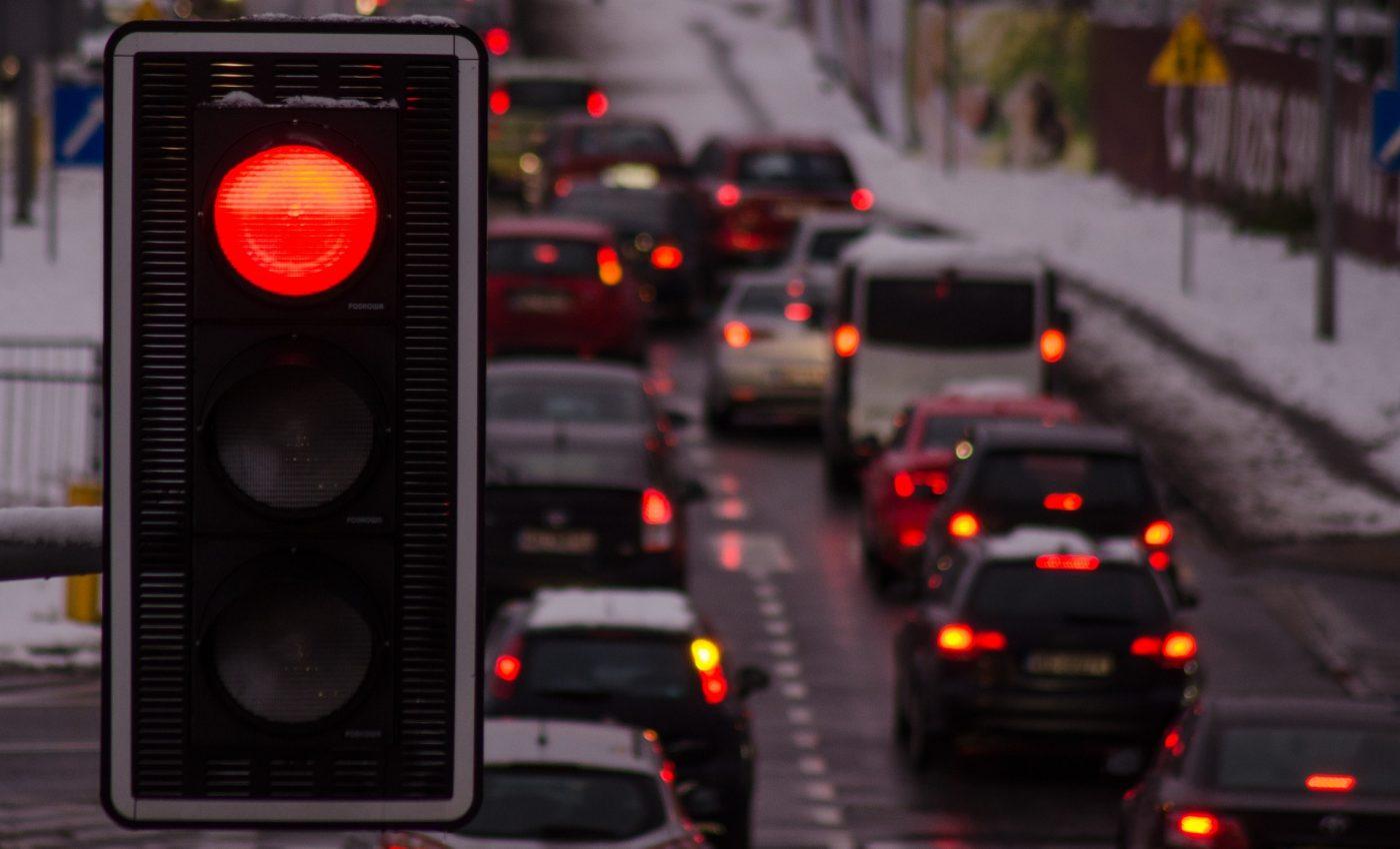 semafor - accident - sfatulparintilor.ro - pixabay_com - the-stopper-2575843_1920