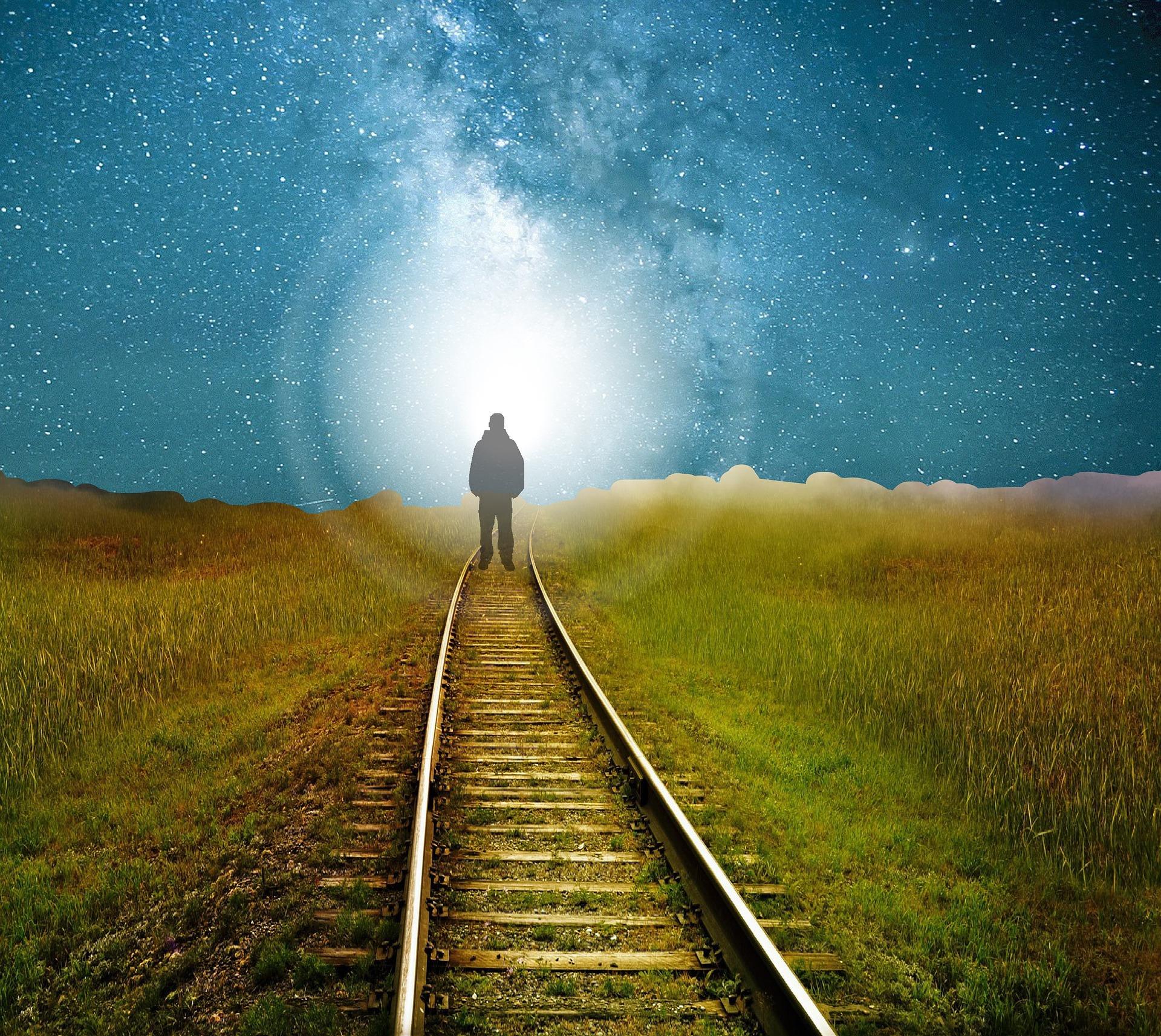 viata dupa moarte - sfatulparintilor.ro - pixabay_com - beyond-1157000_1920