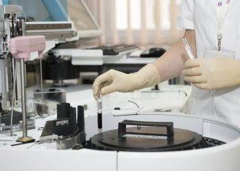 analize medicale - sfatulparintilor.ro - pixabay_com - medic-563423_1920