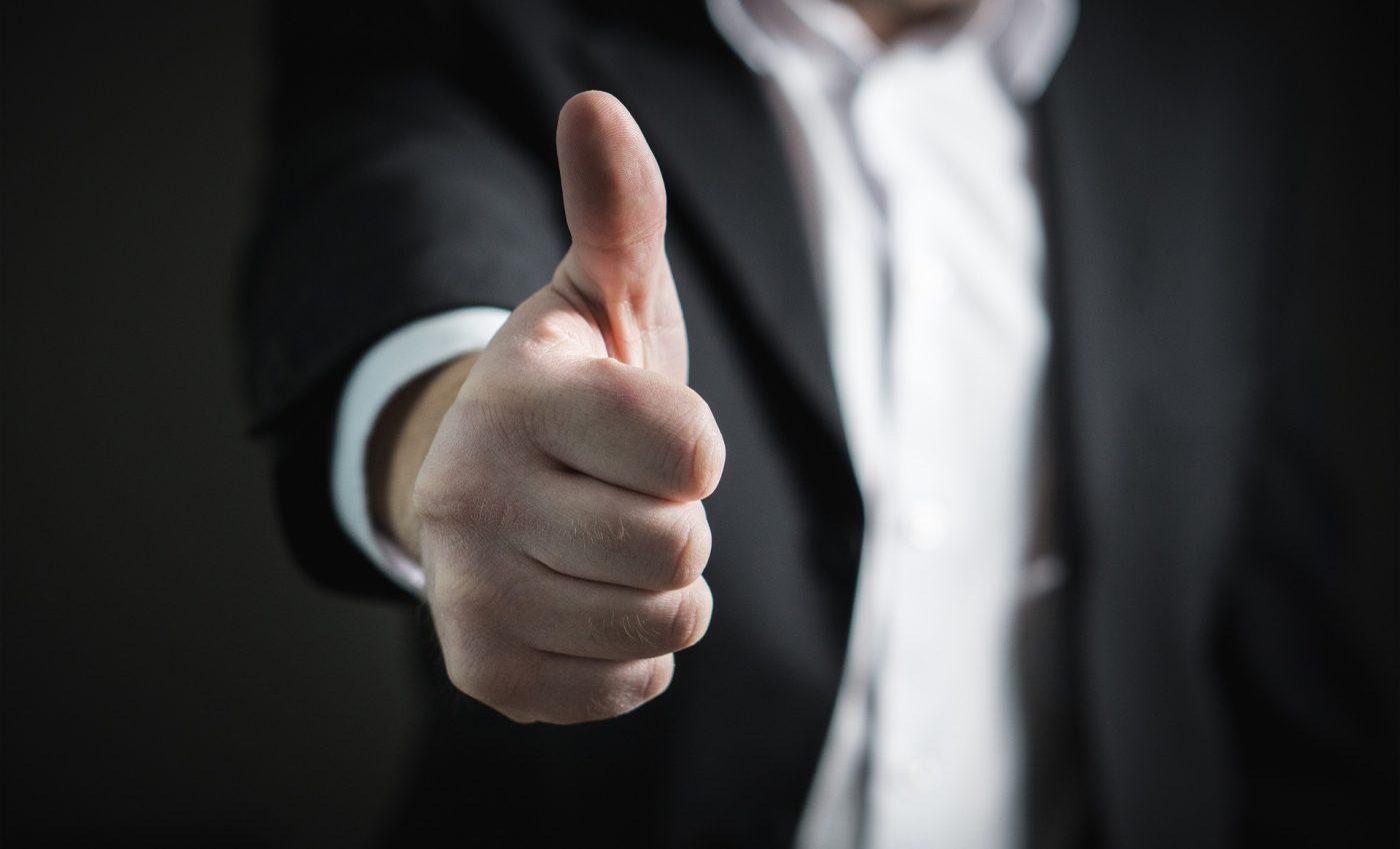barbat puternic - succes- sfatulparintilor.ro - pixabay-com - businessman-2056022_1920