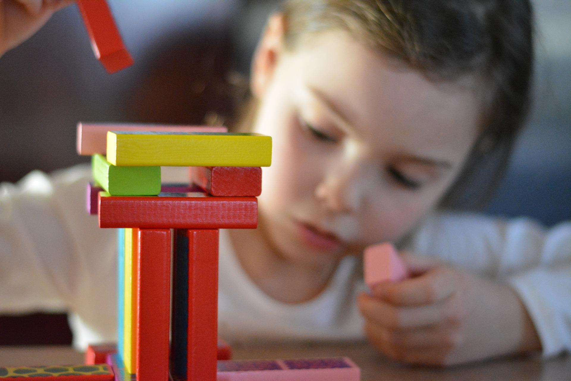 educatie copii - sfatulparintilor.ro - pixabay_com - games-2801332_1920