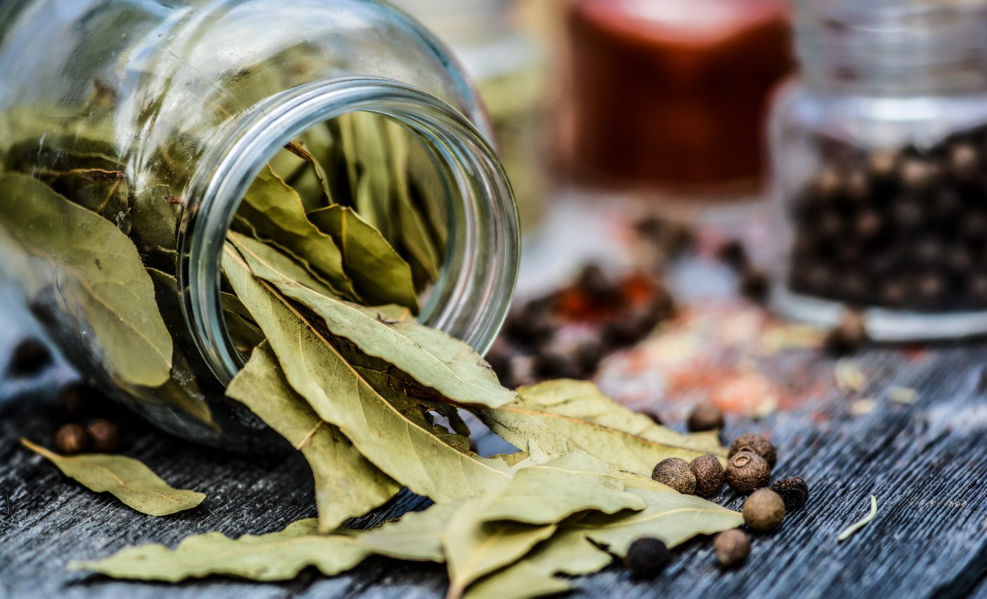 frunza de dafin - sfatulparintilor.ro - pixabay_com - spices-2546297