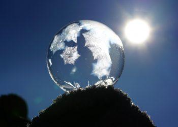 horoscopul iernii - sfatulparintilor.ro - pixabay_com - soap-bubble-1959327_1920
