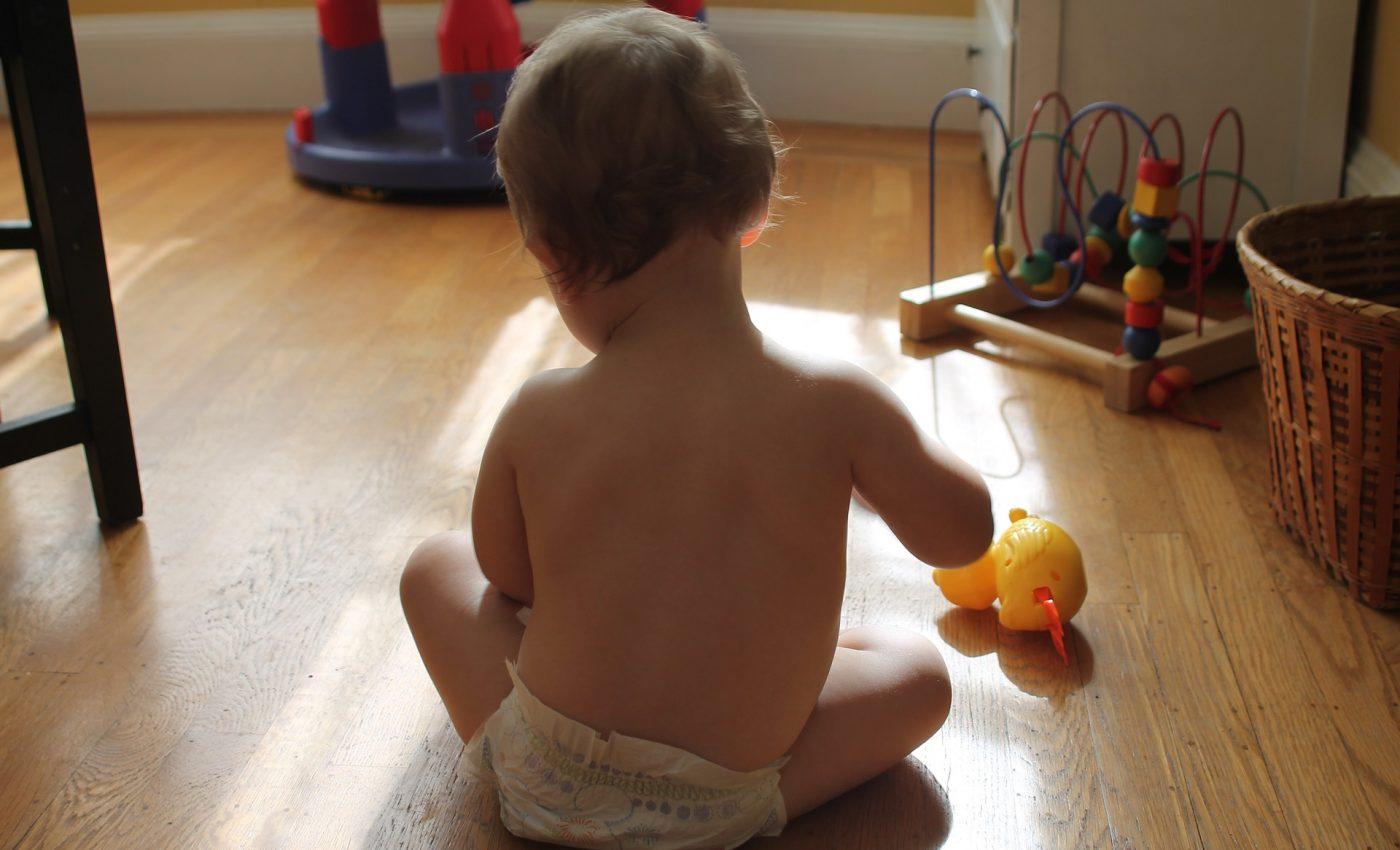jucarii pentru copii - sfatulparintilor.ro - pixaby_com - baby-921293_1920