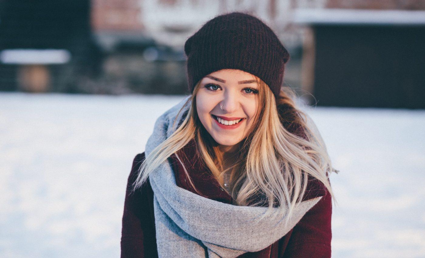 persoane decembrie - sfatulparintilor.ro - pixabay_com - fashion-2940243_1920