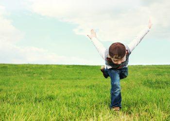 sa nu interzici copilului - sfatulparintilor.ro - pixabay-com - childhood-1884281