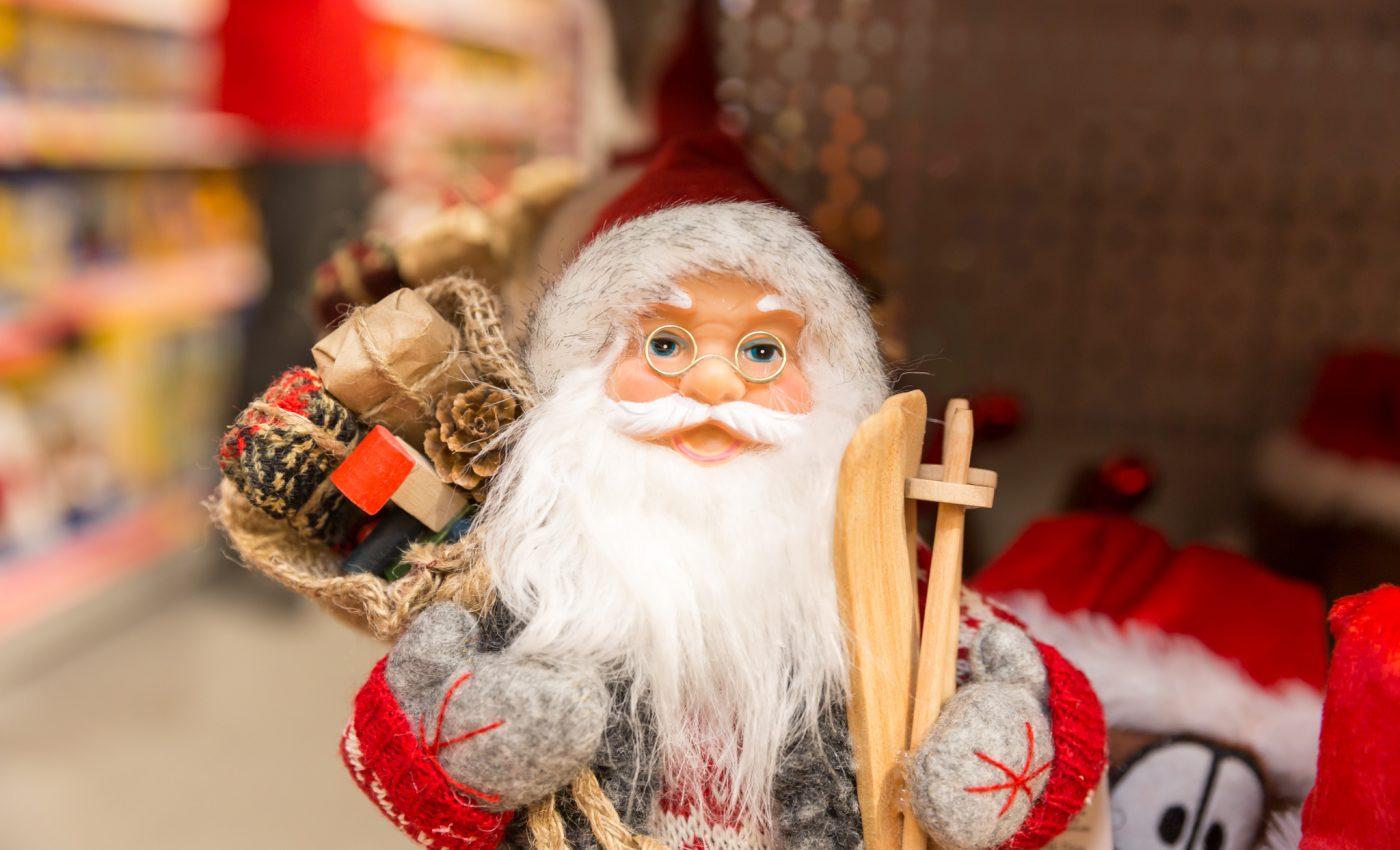 Toti copiii sunt cuminti, mai ales cand se apropie Mos Craciun. De aceea trebuie sa primeasca cele mai frumoase cadouri, nu-i asa?