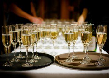 alcool revelion - sfatulparintilor.ro - pixabay_com - drinks-1283608_1920