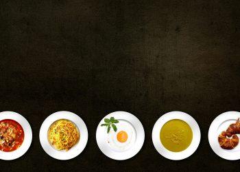 alimente redenumite - sfatulparintilor.ro- pixabay_com = cook-366875_1920