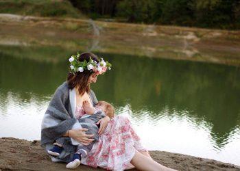 cofeina in timpul alaptarii - sfatulparintilor.ro - pixabay_com - breastfeeding-2435896