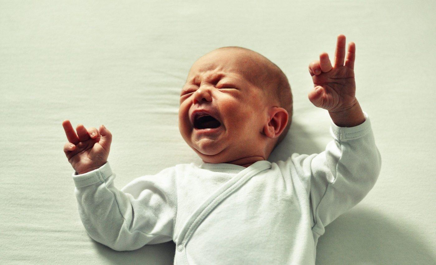 de ce plange bebe - sfatulparintilor.ro - pixabay_com - baby-2387661_1920